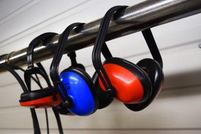 Tampões de ouvido para evitar riscos nos ambientes de trabalho